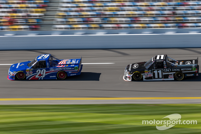 Austin Theriault, Brad Keselowski Racing, Ford; Ben Kennedy, Red Horse Racing, Toyota