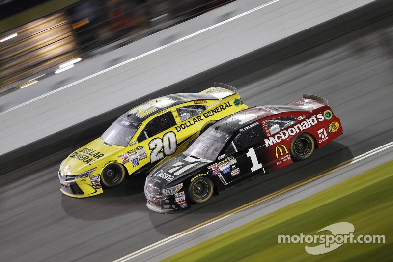 Метт Кенсет, Joe Gibbs Racing Toyota, Джеймі МакМюррей, Ganassi Racing Chevrolet