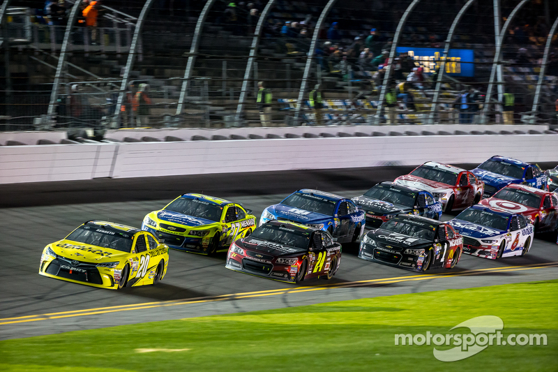 Matt Kenseth, Joe Gibbs Racing, Toyota, in Führung