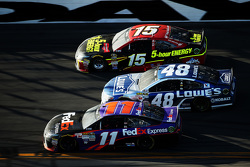 Denny Hamlin, Joe Gibbs Racing 丰田, Jimmie Johnson, Hendrick Motorsports 雪佛兰, Clint Bowyer, Michael Waltrip Racing 丰田