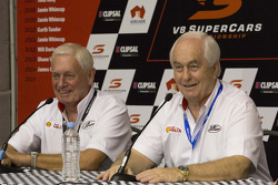 Roger Penske ve Dick Johnson, Penske Takımı