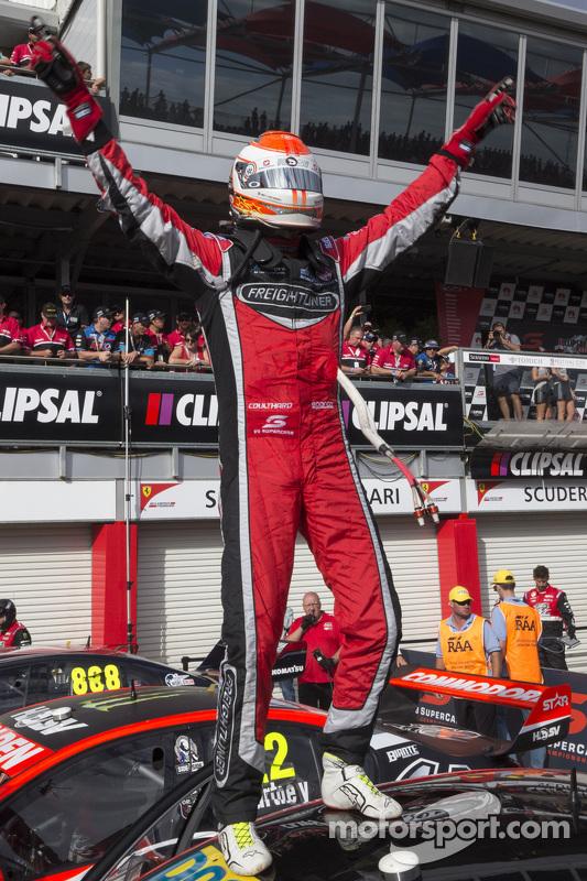 Vencedor Fabian Coulthard, Brad Jones Racing Holden