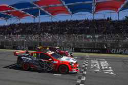 El inicio: James Courtney, Holden Racing Team