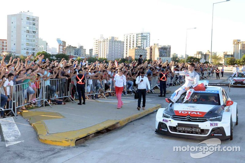Jose Maria Lopez, Citroën C-Elysee WTCC, Citroën Total WTCC, bei einer Roadshow in Cordoba
