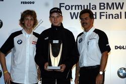 Sebastian Vettel, Nicolas Huelkenberg and Dr Mario Theissen