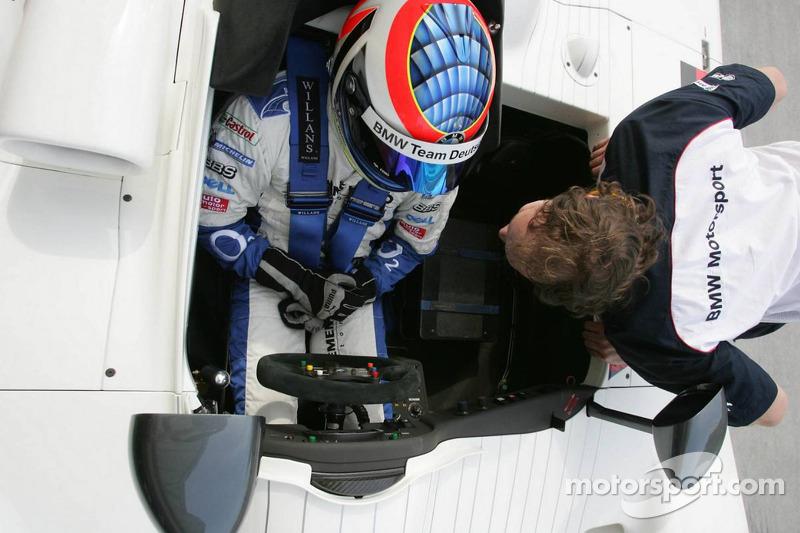 BMW race car training: Dirk Muller drives the BMW V12 LMR
