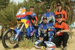 Team Red Bull KTM USA : Chris Blais et Andy Grider posent avec l'équipe Red Bull KTM USA