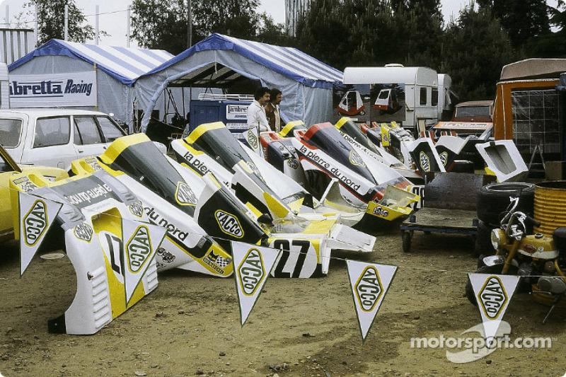 La zone des stands de l'équipe Racing Organisation Corse