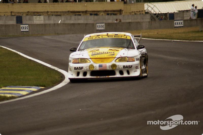 1994: Carlos Palau (3 participaciones y 1 victoria)