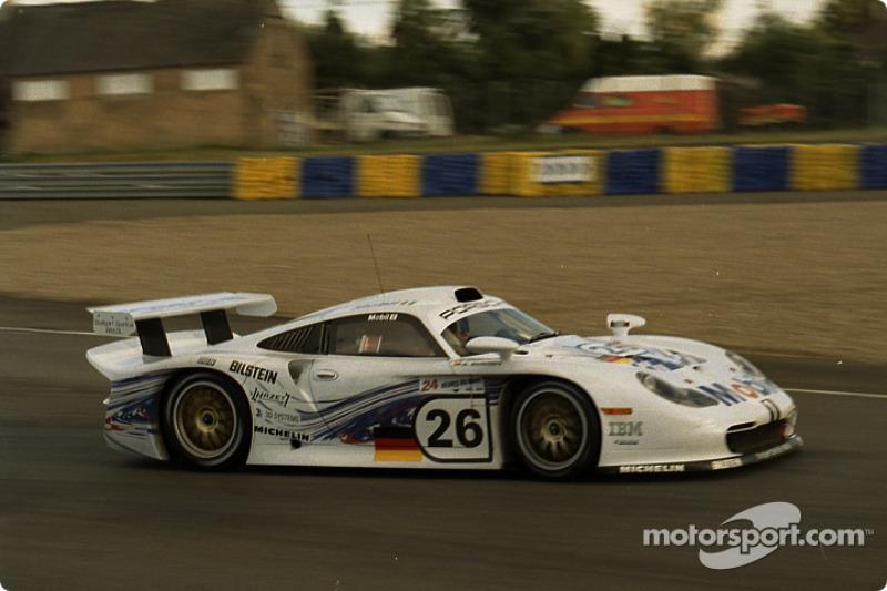 26 Porsche Ag Porsche 911 Gt1 Emmanuel Collard Yannick Dalmas Ralf Kelleners At 24 Hours Of
