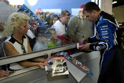 Ryan Newman signs autographs
