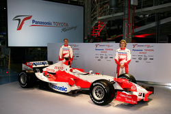 Ralf Schumacher and Jarno Trulli with the new TF106