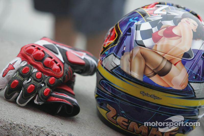 Helm von Jake Zemke