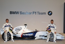 Nick Heidfeld and Jacques Villeneuve with the BMW Sauber F1.06