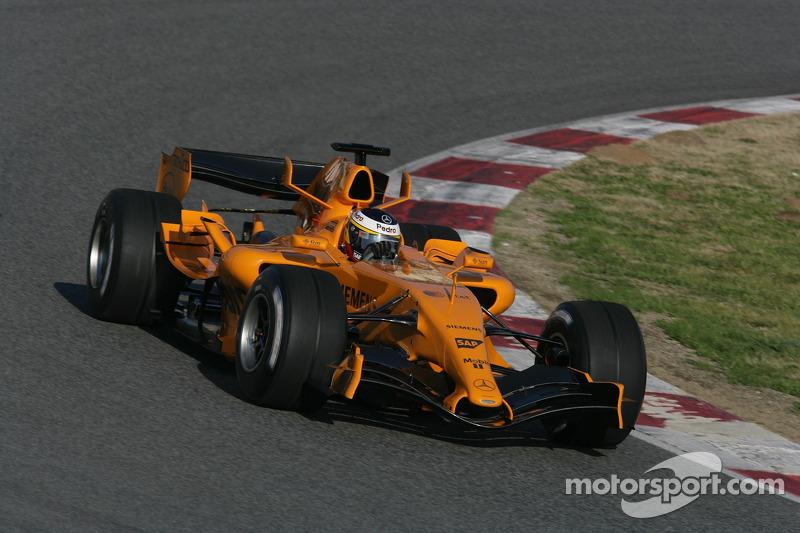 Pedro de la Rosa test ediyoryeni McLaren MP4-21