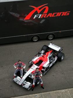 Tiago Monteiro and Christijan Albers with the new MF1 Racing M16