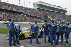 Best Buy chevy crew members salute Jeff Green as he heads to pace laps