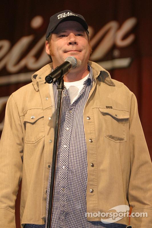 Le comédien J. Scott Homan
