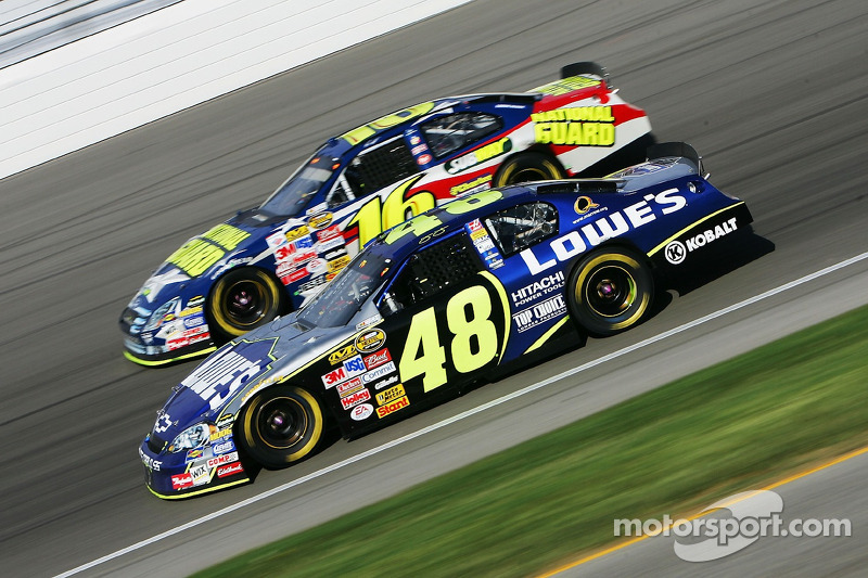 Jimmie Johnson y Greg Biffle