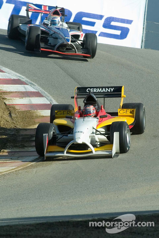 Le pilote de l'équipe d'Allemagne Timo Scheider