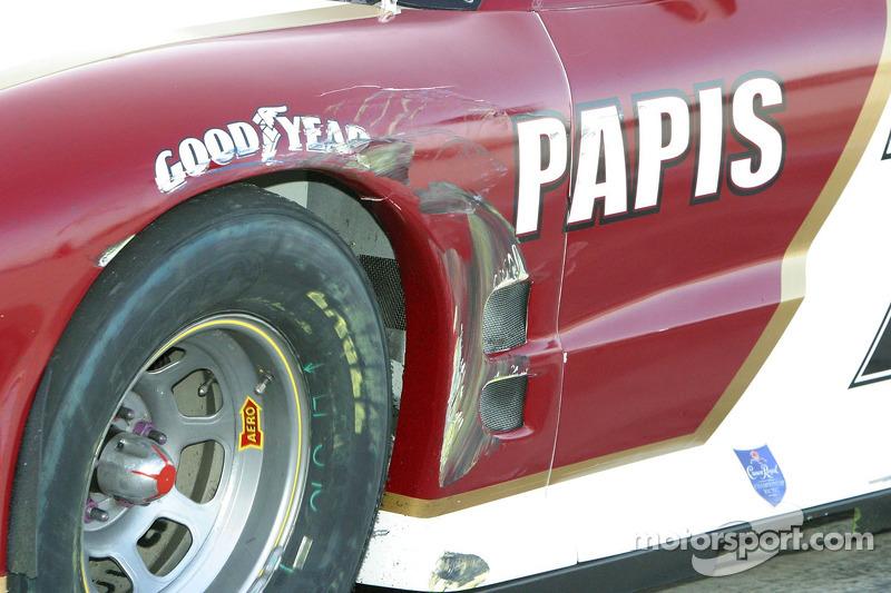 Dégât sur la voiture Max Papis