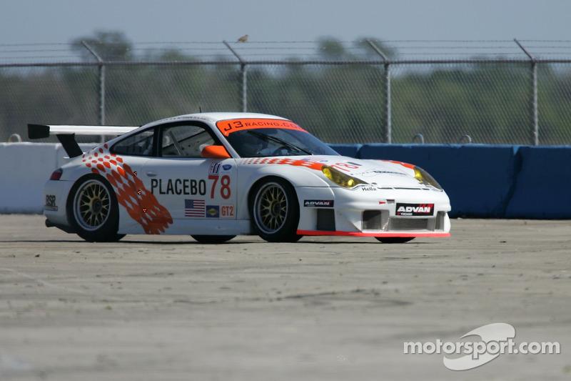 Hors piste pour la #78 J3 Racing Porsche 911 GT3 RSR: Spencer Pumpelly, Jep Thornton, Mark Patterson