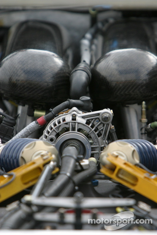 Détail du moteur AER de la Dyson Racing Team Lola B06/10