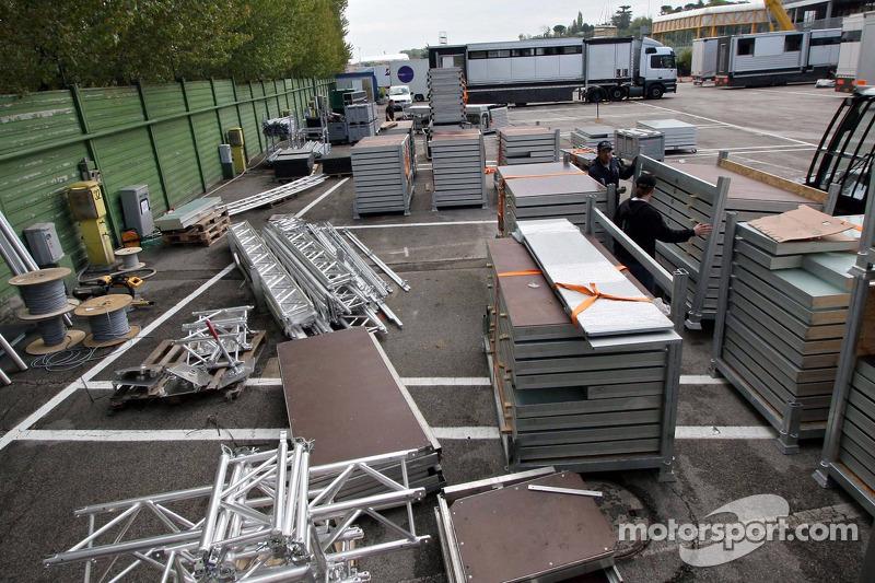 Réglage de Red Bull et garage: dimanche