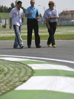 Andreas Zuber goes on a track walk