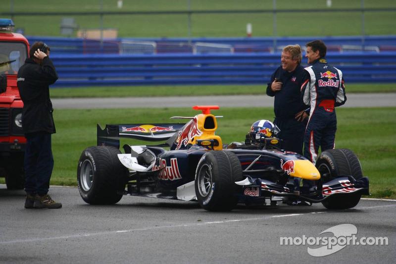 David Coulthard stoppé sur le circuit