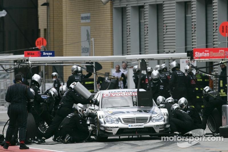 Arrêt au stand pour Mika Häkkinen