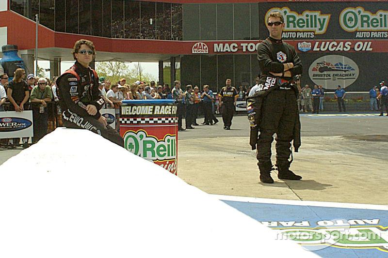 Eric Medlen et Whit Bazemore prennent les deux premières places à Funny Car