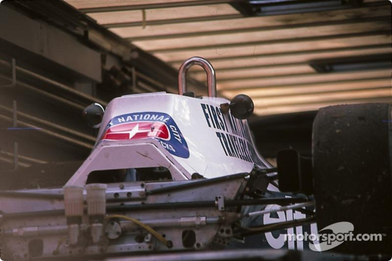 Tyrrell 008 dans le camion