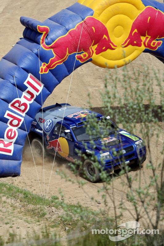 Red Bull: Robert Doornbos et Giniel de Villiers dans un Volkswagen Touareg