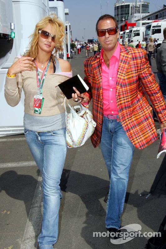 Franziska van Almsick et Kai Ebel dans le paddock