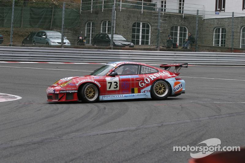 #73 Ice Pol Racing Team Porsche GT3 RSR: Yves-Emmanuel Lambert, Christian Lefort, Romain Iannetta spins in La Source