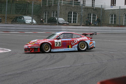 #73 Ice Pol Racing Team Porsche GT3 RSR: Yves-Emmanuel Lambert, Christian Lefort, Romain Iannetta spins in La Source
