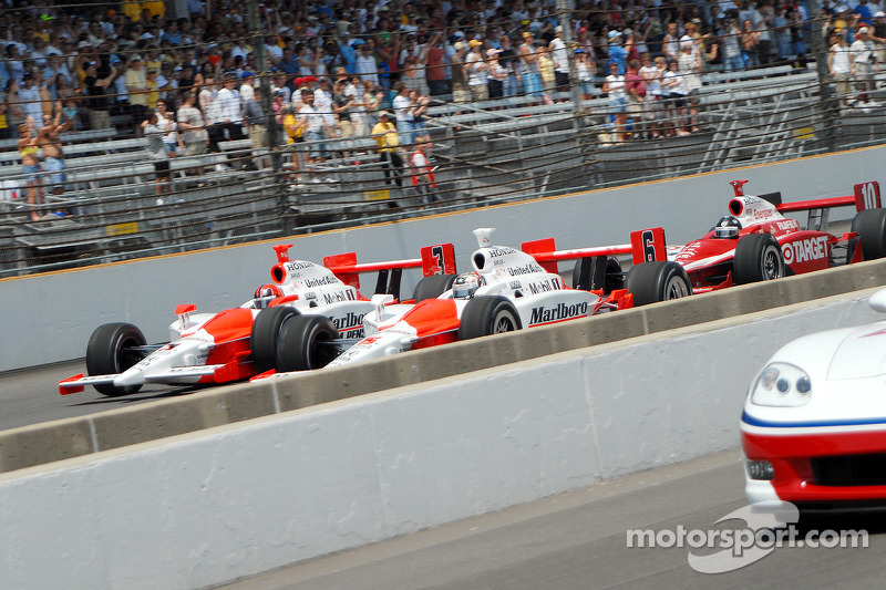 Départ: Sam Hornish Jr., Helio Castroneves et Dan Wheldon