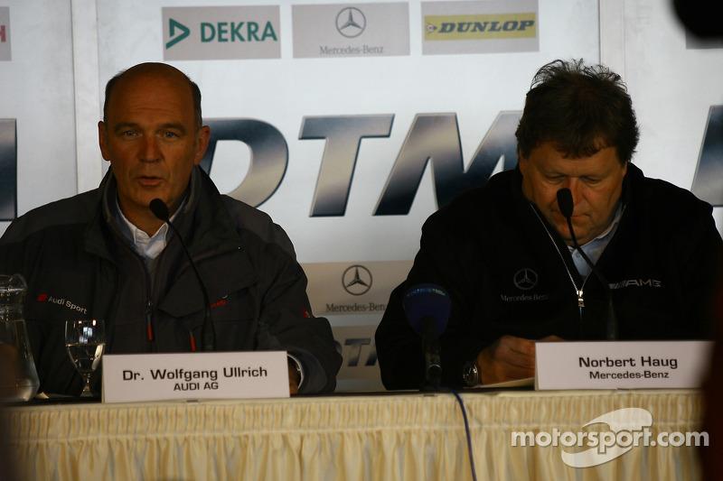 Conférence de presse : Dr. Wolfgang Ullrich et Norbert Haug