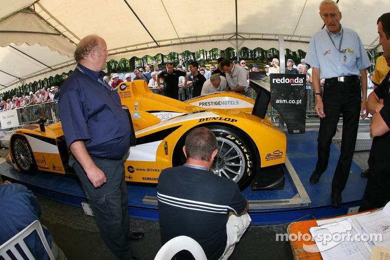 Chamberlain Synergy Motorsport Lola B05/40 AER à la deuxième spéciale