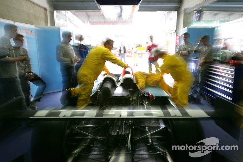 Le garage de l'équipe Paul Belmondo Racing