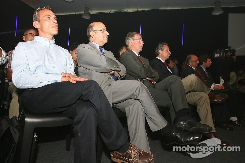 Conférence de presse de Peugeot Sport: Eric Hélary