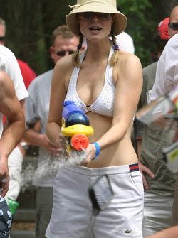 The lovely watergun operator