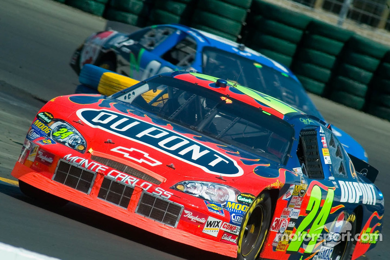 Jeff Gordon devance Terry Labonte