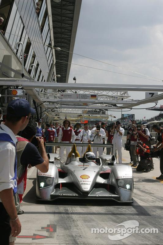 #7 Audi Sport Team Joest dans les stands