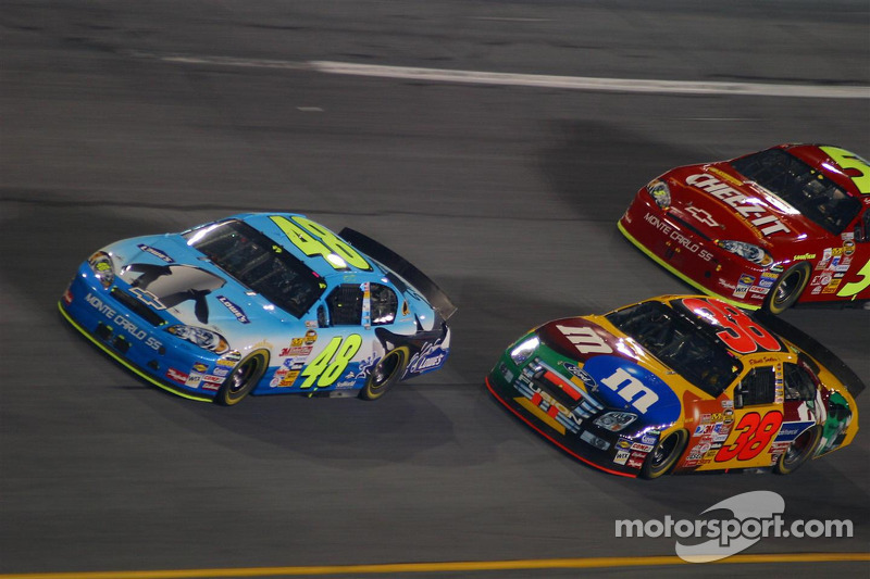 Jimmie Johnson et Elliott Sadler
