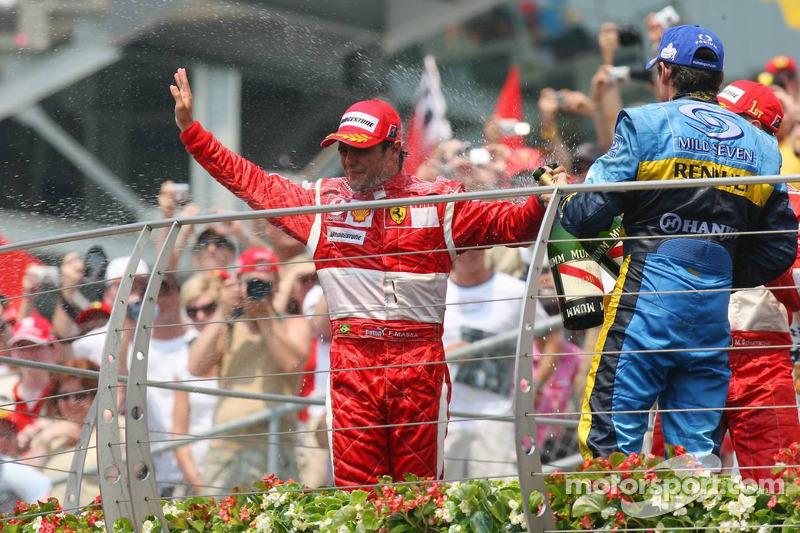 Podium: champagne pour Felipe Massa et Giancarlo Fisichella