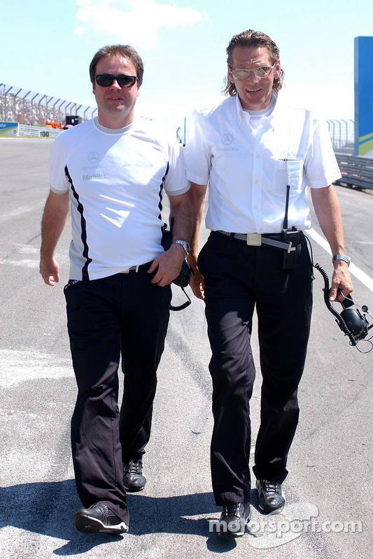 Gerhard Ungar, chef designer AMG et Hans-Jürgen Mattheis, manager de l'équipe HWA