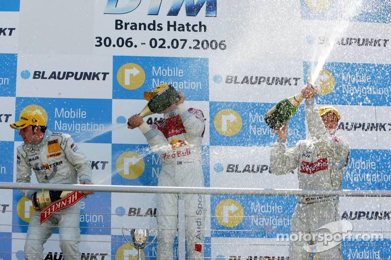 Podium: champagne pour Mattias Ekström, Jamie Green et Bernd Schneider