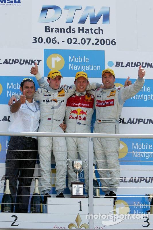 Podium: le vainqueur de la course Mattias Ekströmavec Jamie Green, Bernd Schneider et Hans-Jurgen Abt